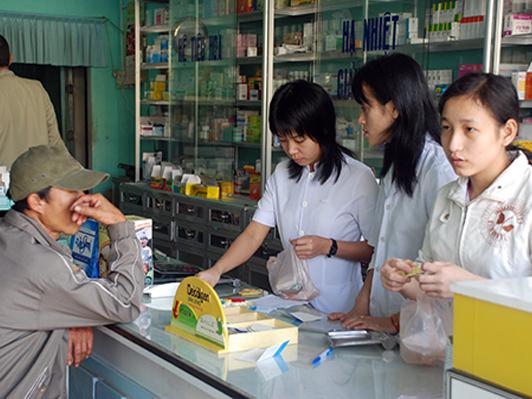 Giá thành thuốc bị đẩy lên cao