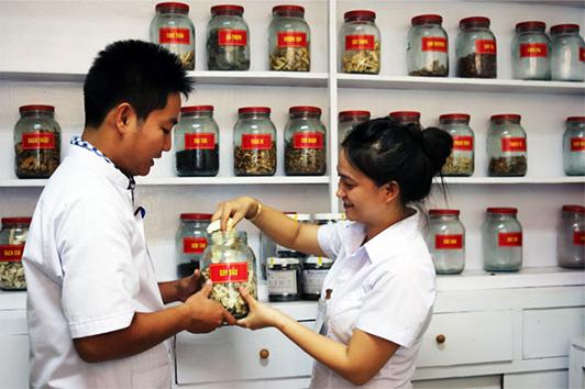 Đào tạo dược sĩ cần phải đạt tiêu chuẩn quốc tế