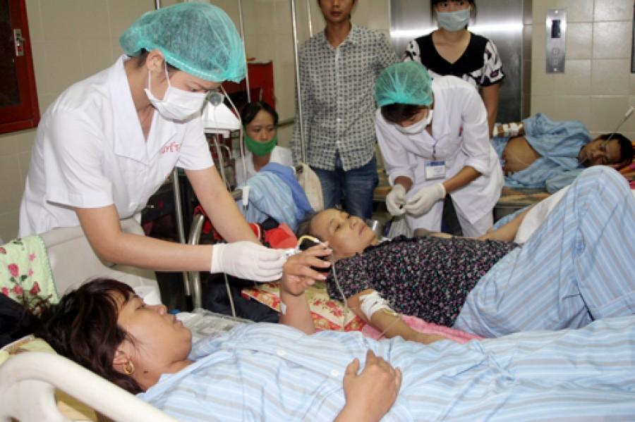 Nỗi vất vả của y, bác sĩ trong tâm dịch sốt xuất huyết