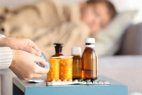 Sử dụng thuốc Clarithromycin 500mg theo chỉ dẫn của bác sĩ