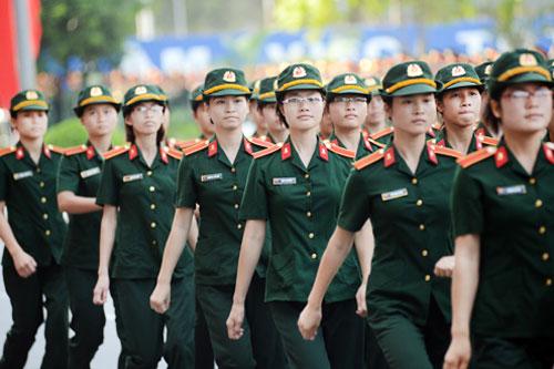 Thí sinh nữ cần đạt sức khỏe loại 1 nếu muốn tuyển sinh các trường quân đội.