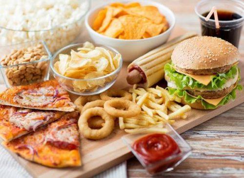 Ngoài các thực phẩm cần bổ sung thì bạn cần lược một số món ăn không tốt cho sức khỏe