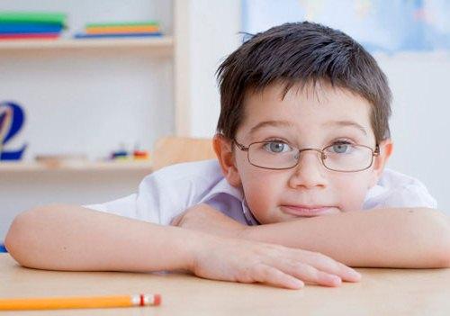 Uống thuốc bổ mắt có chữa được cận thị ở trẻ nhỏ?