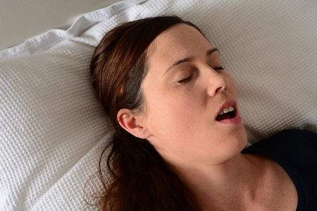 Hở miệng khi ngủ một thói quen không tốt cho sức khỏe