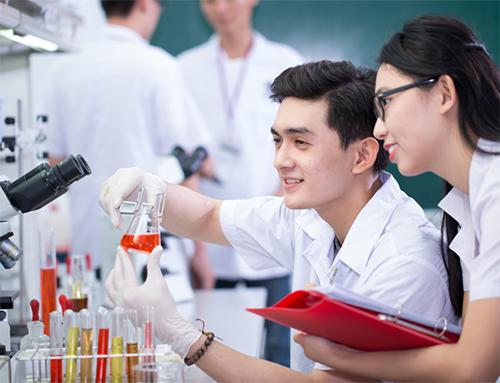 Sau khi tốt nghiệp các thí sinh được cấp bằng Cao đẳng Xét nghiệm chính quy