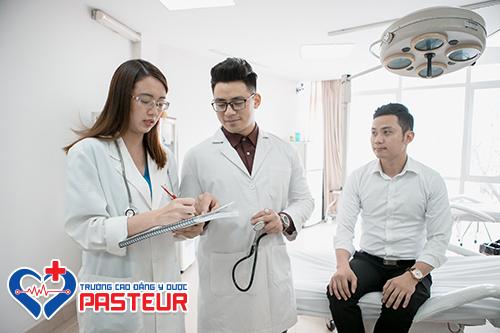 Dự kiến thí sinh phải có học lực giỏi mới được xét tuyển ngành Y Dược năm 2019